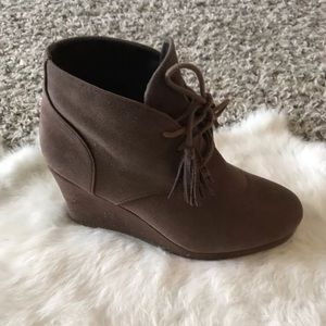 Report Woman Shoes Ankle Boots Wedges  Sz 7 1/2